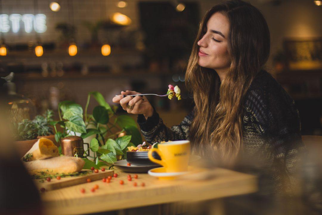 Mindful eten: bewust over je hongergevoel (+oefening)